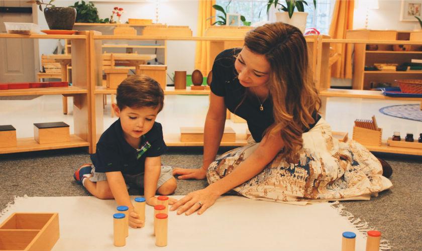 Çocuğunu Özgürleştirecek Bir Eğitim Anlayışı ile Büyüt: 6 Soruda Montessori Eğitimi!