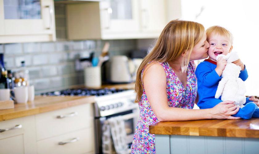 Bebekli Annelerin Hayatını Kurtaran 9 Pratik Mutfak Eşyası!