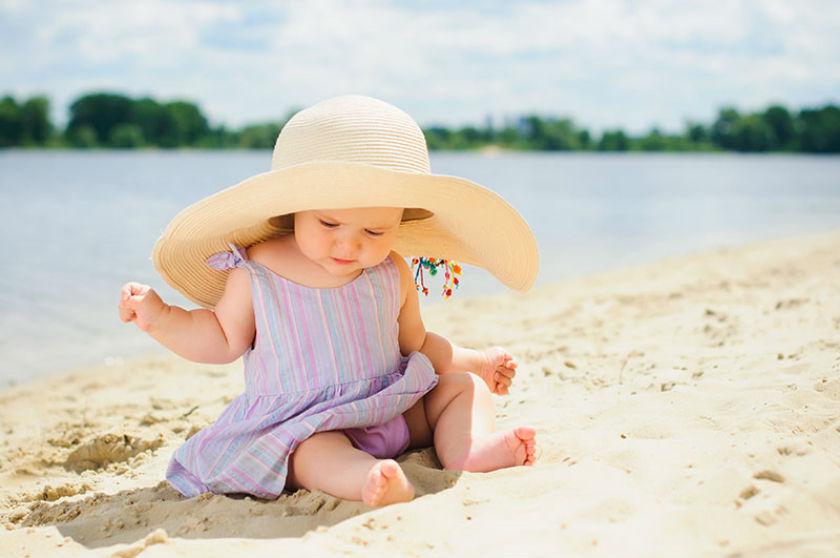 Bebeğini Güneş Işınlarından Korumak için Yapman Gereken 5 Şey!