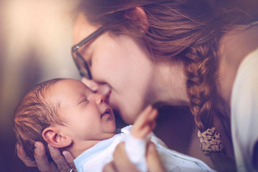Yenidoğan Bebek Bakımı: 12 Soruda Bilmen Gerekenler!