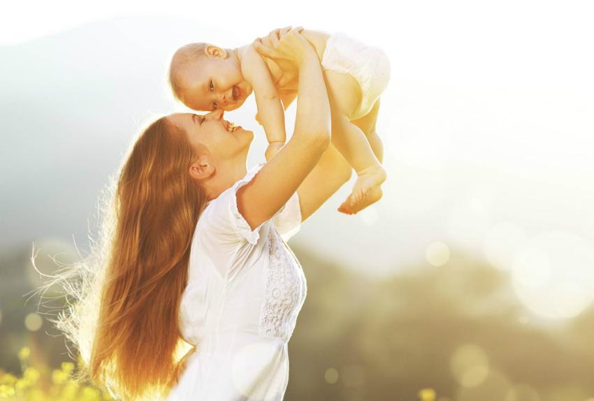 O Minnak Yüz Gülsün Yeter: Bebeğini Güldürmenin 6 Yolu