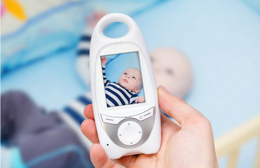 Gözün Arkada Kalmasın: Tercih Edebileceğin En İyi 10 Görüntülü Bebek Telsizi